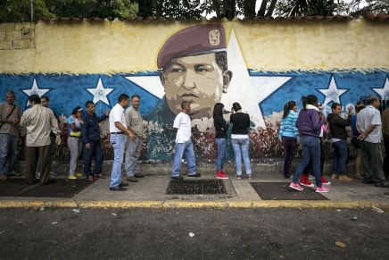 Όχι στο πραξικόπημα στη Βενεζουέλα! Για μια δημοκρατική λύση στηνκρίση!