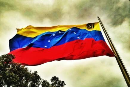 Marea Socialista: «Όχι στον πόλεμο! Ούτε Μαδούρο ούτεΓουαϊδό!»
