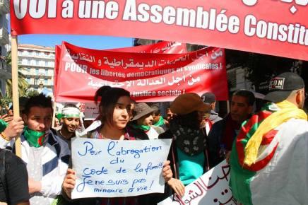 Αλληλεγγύη με την αλγερινήεπανάσταση!