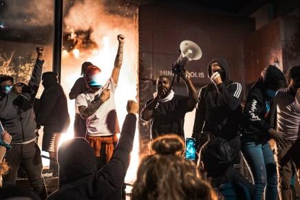 Αλληλεγγύη με την παγκόσμια αντιρατσιστικήεξέγερση