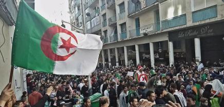 Να σταματήσει η καταστολή στηνΑλγερία!