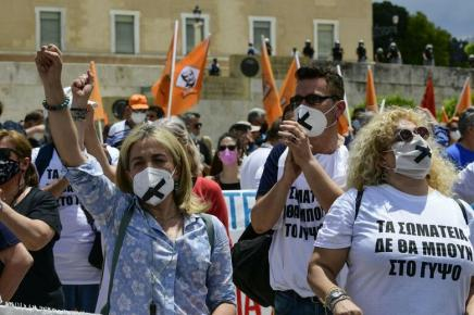 Massive mobilisations in Greece against a slaverylaw